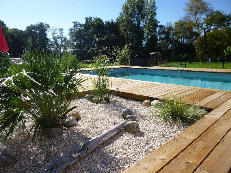 Piscines cr ations constructeur de piscines en gironde for Constructeur piscine 06